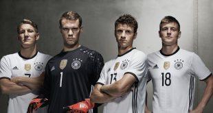 Joachim Löw names Manuel Neuer as Germany's new captain!
