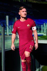 nike-as-roma-2016-derby-kit-totti