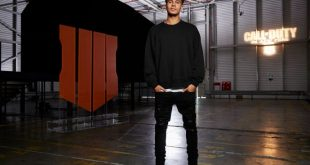 Dele Alli launches Call of Duty: Black Ops 4 in the 'world's darkest room'!