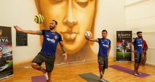 Chennaiyin FC & Sarva join hands to promote yoga in football!