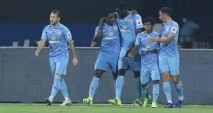 Mumbai City FC beat ATK Mohun Bagan to lift ISL League Shield!
