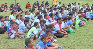 Tonga's local heroes encourage girls to give football a go!